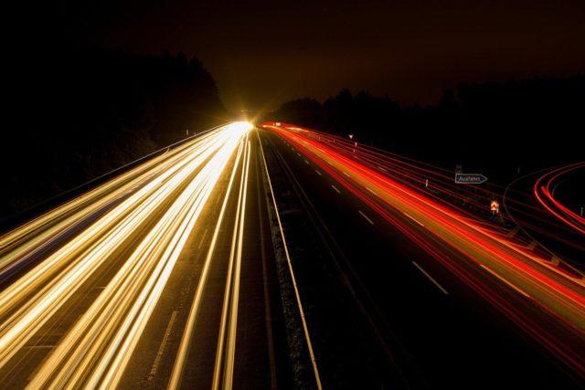 速度が速いおすすめ光回線とは